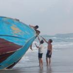 Sri_Lanka_Trincomale_Shipwreck_boat