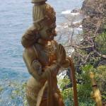 Sri_Lanka_Trincomale_Shipwreck_festival_cliff_temple_shrine