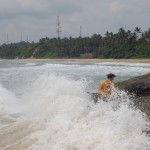Sri_Lanka_Trincomale_beach_rocks_waves