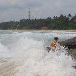 Sri_Lanka_Trincomale_beach_rocks_waves