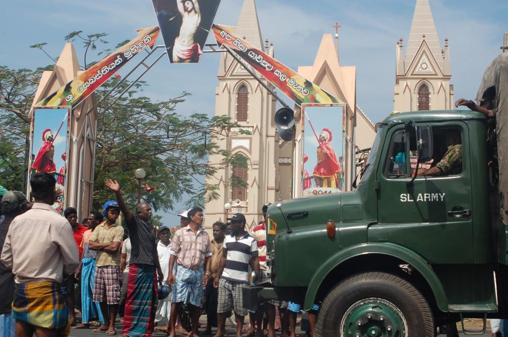 Sri_Lanka_negombo_protest_army