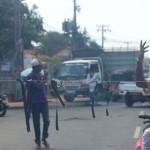Sri_Lanka_negombo_protest_roadblock