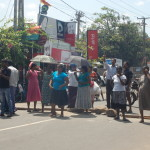 Sri_Lanka_negombo_protest_roadblock_2