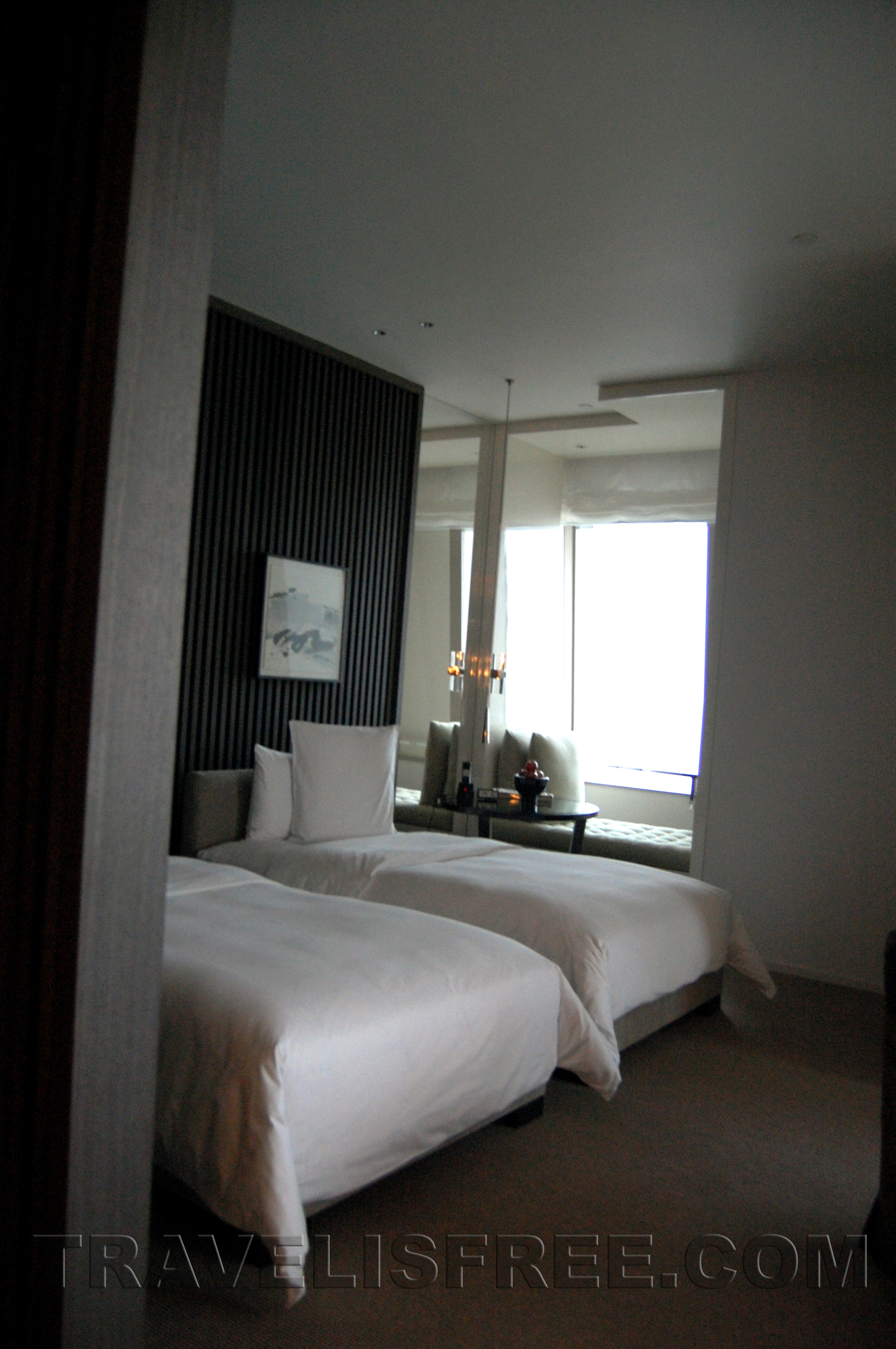 Park_Hyatt_Shanghai_bedroom