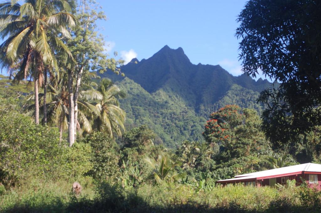 Rarotonga_mountains