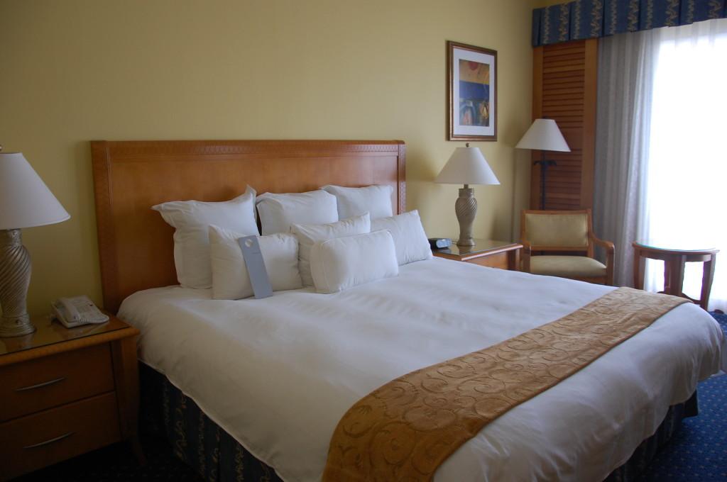 Renaissance Aruba Bedroom