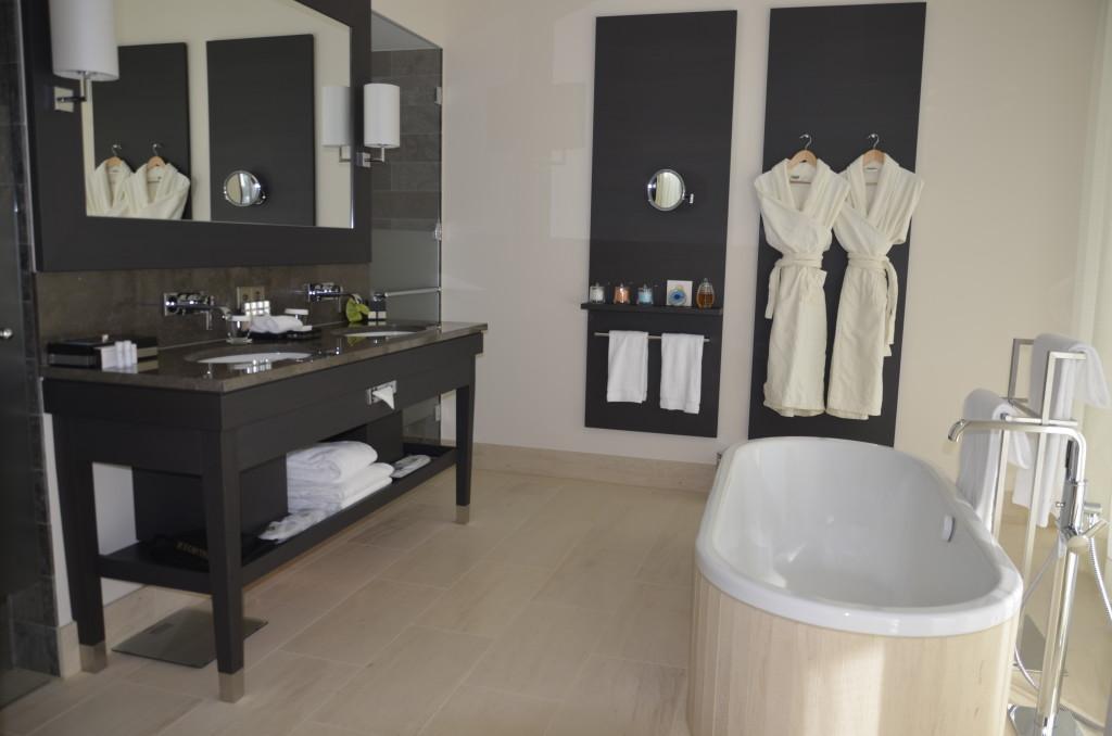 InterContinental_Davos_Suite_bathroom