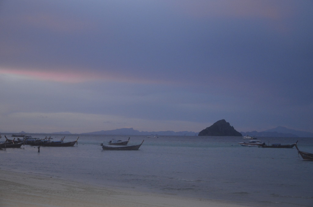 Holiday_Inn_Phi_Phi_island_sunset