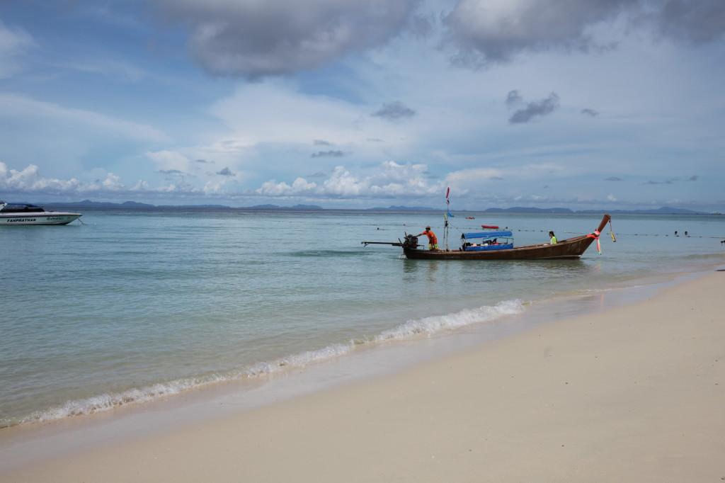 Phi_Phi_Island_Boat